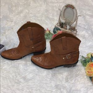 FRANCO SARTO  Leather Boots for women size 9.
